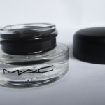 REVIEW: DELINEADOR FLUIDLINE BLACKTRACK, M.A.C.