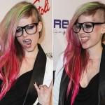 Avril Lavigne volta a tingir o cabelo de pink e verde!