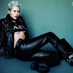 Miley Cyrus ousando nas capas da V Magazine!