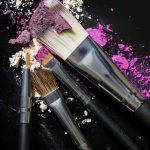 Guia prático: Como limpar os pincéis de maquiagem?